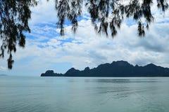 Opinión del mar en Tailandia Fotos de archivo