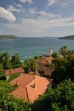 Opinión del mar sobre la bahía en Montenegro Imágenes de archivo libres de regalías