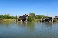 Opinión del mar sobre la selva, al sur de Tailandia Foto de archivo libre de regalías
