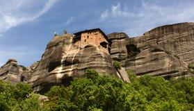 Opinión del monasterio de Meteora de debajo Fotografía de archivo