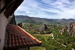Opinión del monasterio de Meteora de una ventana Fotografía de archivo libre de regalías