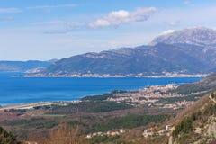 Opinión del ojo de pájaro de la bahía de la ciudad de Kotor y de Tivat montenegro Imágenes de archivo libres de regalías