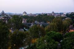 Opinión del otoño de tejados y del terraplén de Roma Fotografía de archivo libre de regalías