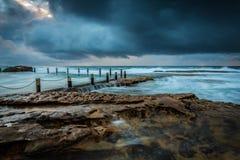 Opinión del paisaje marino en la visión nublada Imagen de archivo libre de regalías