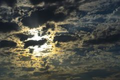 Opinión del paisaje del sol poniente sobre el mar La foto fue tomada en Sivash en Ucrania fotografía de archivo libre de regalías