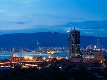 Opinión del paisaje urbano Butterworth y de Penang, Malasia de la propiedad horizontal de la vista al mar Fotos de archivo libres de regalías