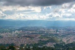 Opinión del paisaje urbano de Bucarmanga Imagen de archivo