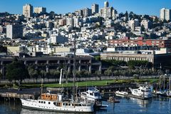 Opinión del paisaje urbano del embarcadero 33 en San Francisco foto de archivo