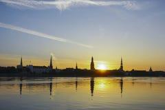 Opinión del panaorama de la ciudad de Riga Imágenes de archivo libres de regalías