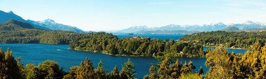 Opinión del panorama de Bariloche y de su lago, la Argentina Fotografía de archivo libre de regalías