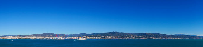 Opinión del panorama de la ciudad de Málaga, España Fotos de archivo