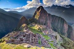 Opinión del panorama de la ciudad perdida sagrada de Machu Picchu de incas en Perú imagen de archivo libre de regalías