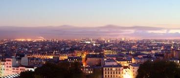 Opinión del panorama de París por noche Fotografía de archivo