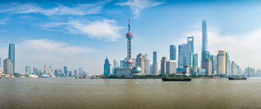 Opinión del panorama del ` de Wai Tan del ` del distrito de Pudong imagen de archivo