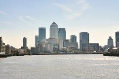 Opinión del panorama del distrito de Canary Wharf Fotos de archivo libres de regalías