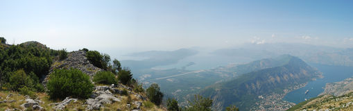Opinión del panorama sobre el fiordo de Montenegro imagen de archivo