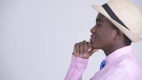Opinión del perfil del primer del pensamiento turístico africano feliz joven del hombre metrajes