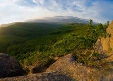 opinión del Pescado-ojo de la puesta del sol majestuosa del Primorye ruso Imagen de archivo