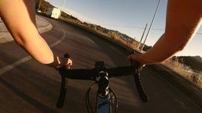 Opinión del POV del ciclista almacen de metraje de vídeo