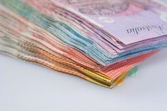 Opinión del primer de la pila de diversas denominaciones de los billetes de banco australianos Fotografía de archivo