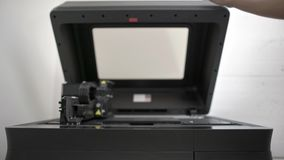 Opinión del primer en la impresora dental 3D en laboratorio metrajes