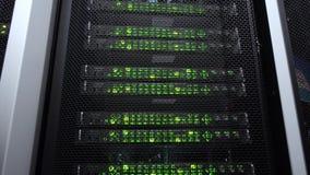 Opinión del primer del servidor moderno Centelleo del verde del centro de datos Cámara del movimiento