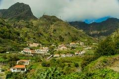 Opinión del pueblo de montaña de Madeira (2) Fotografía de archivo libre de regalías