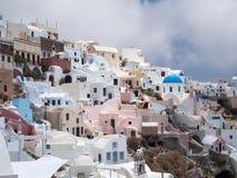 Opinión del pueblo en Santorini fotografía de archivo
