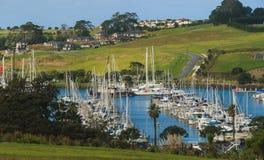 Opinión del puerto deportivo, vista del puerto deportivo, Auckland, Nueva Zelanda Fotografía de archivo libre de regalías