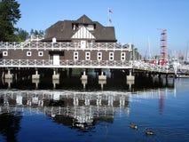 Opinión del puerto en Vancouver, barcos en el parque de Stanley Fotos de archivo