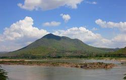 Opinión del río de Kaeng Khut Khu y de Khong imagen de archivo