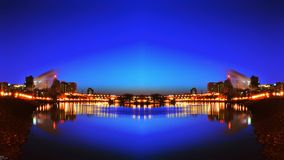 Opinión del río de la noche del horizonte de Paul City del santo duplicada Imagen de archivo libre de regalías
