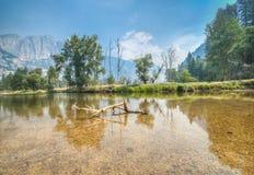 Opinión del río de Yosemite Imagen de archivo libre de regalías