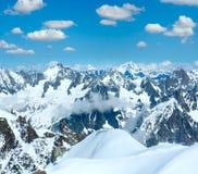 Opinión del soporte de Aiguille du Midi, F del macizo de la montaña de Mont Blanc imagen de archivo libre de regalías