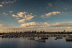 Opinión del St Kilda del horizonte de Melbourne fotografía de archivo