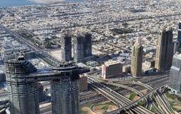 Opinión del tejado sobre Dubai del 154ª planta del Burj Khalifa imagen de archivo