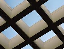 Opinión del tragaluz del cielo azul claro Imagen de archivo libre de regalías