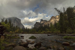 Opinión del valle de Yosemite Imágenes de archivo libres de regalías