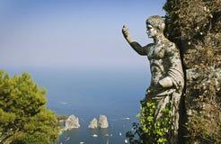 Opinión del verano de la isla de Capri Imagen de archivo