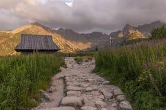 Opinión del verano del valle de Gasienicowa Montañas de Tatra polonia Imagen de archivo