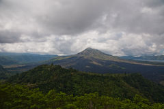 Opinión del volcán Imagen de archivo libre de regalías