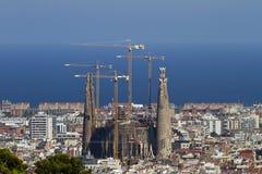 Opinión distante de Sagrada Familia Barcelona Fotografía de archivo