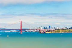 Opinión distante de San Francisco City Golden Gate Bridge Imagen de archivo