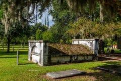Opinión diurna del cementerio imagen de archivo