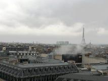 Opinión Eiffel Tower fotografía de archivo libre de regalías