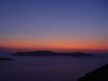 Opinión el mar y Volcano Caldera en Santorini Imagen de archivo libre de regalías