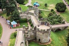Opinión el oso y Clarence Towers desde arriba de Warwick Cas Fotos de archivo