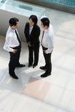 Opinión elevada empresarios chinos Fotos de archivo libres de regalías