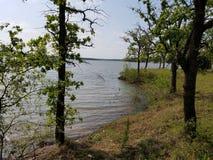 Opinión escénica del lago del lago Nocona Tejas imagen de archivo