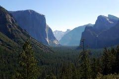 Opinión escénica del túnel en el valle de Yosemite Imagen de archivo